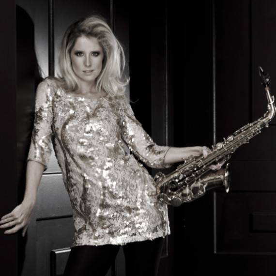 Lovely-Laura-Sax-portrait-2-low-e1348147890829